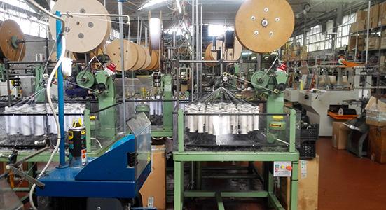 macchinari-produzione-lacci-tessuto